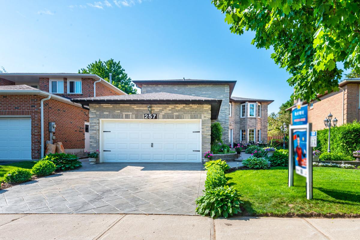 257 Fincham Ave, Markham, Ontario    - Photo 1 - RP5408524152