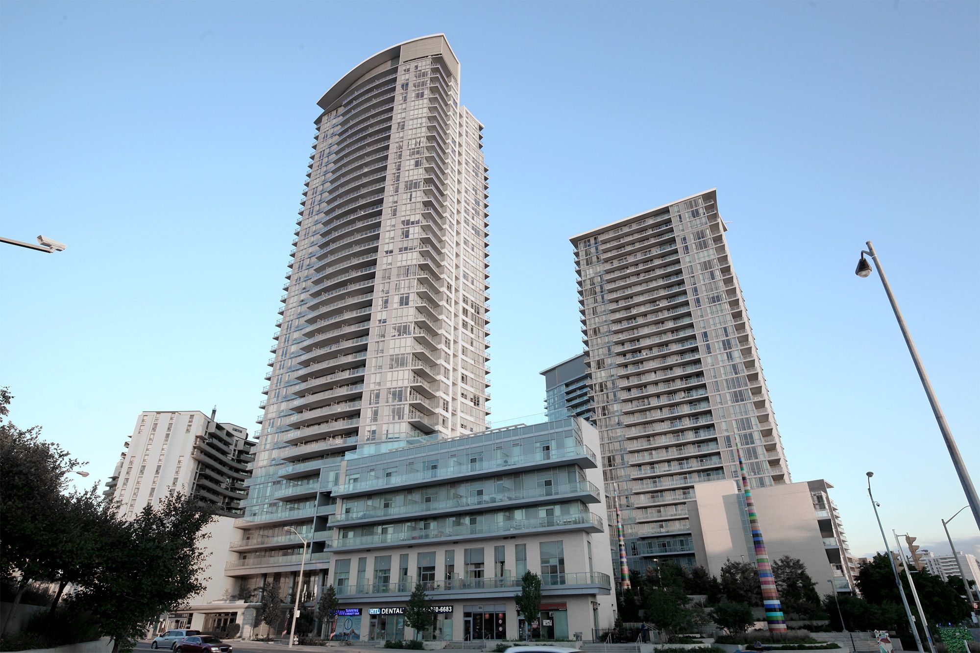 70 Forest Manor Rd 910, Toronto, Ontario  M2J 0A9 - Photo 1 - C4244390
