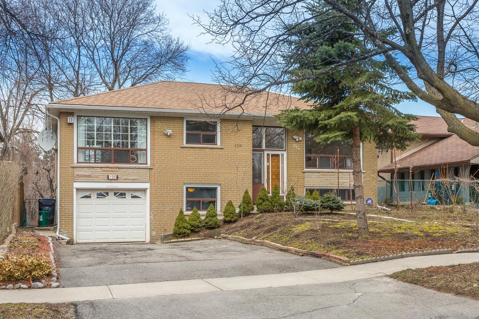 120 Torrance Rd, Toronto, Ontario    - Photo 1 - E4391056