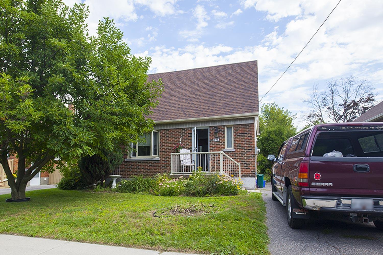 873 Masson St, Oshawa, Ontario    - Photo 1 - E4581242