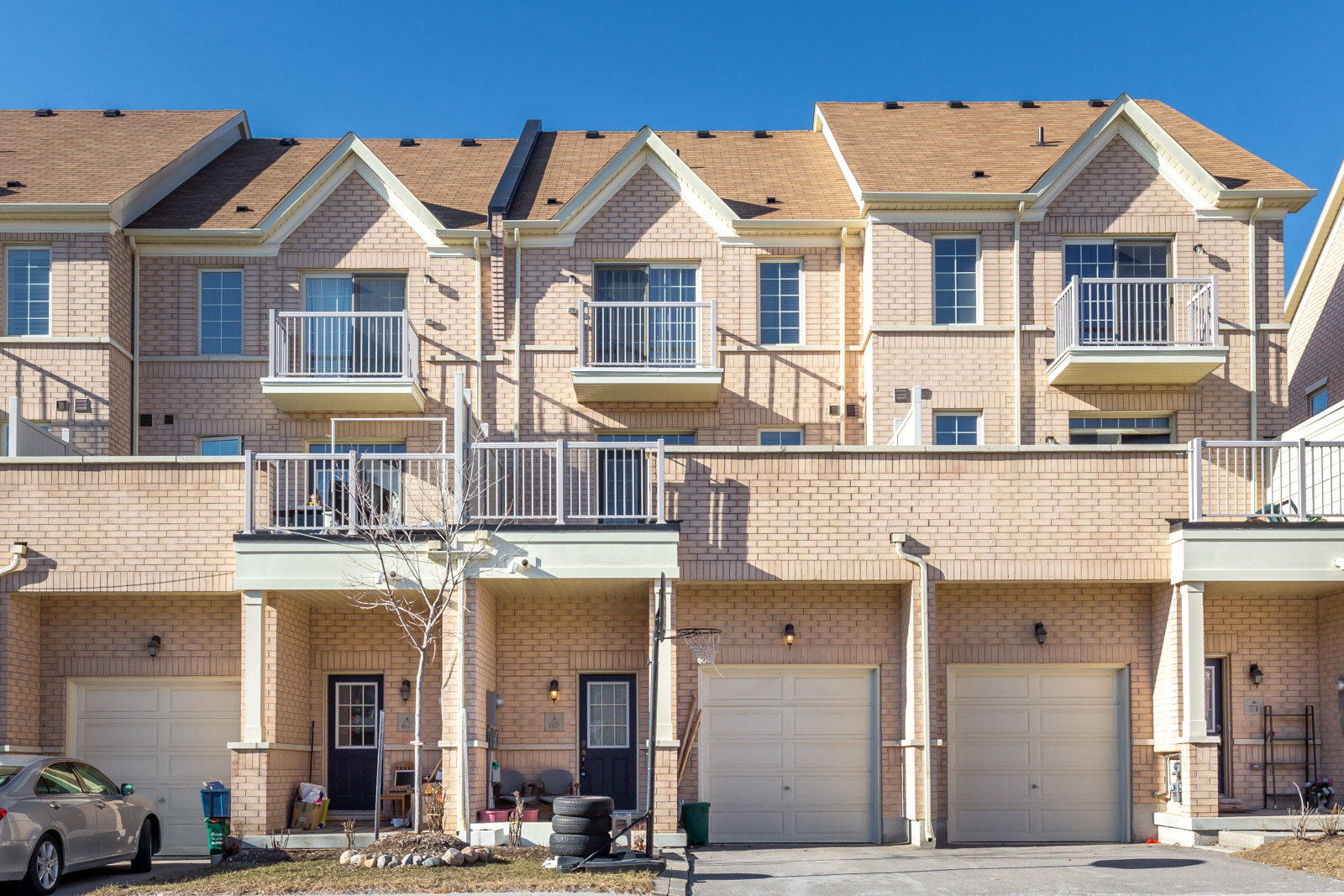69 Cathedral High St, Markham, Ontario    - Photo 1 - N4401467