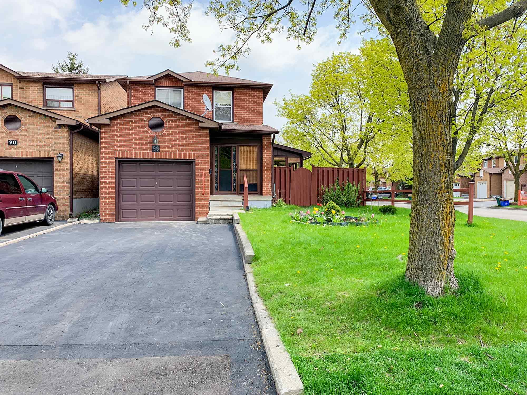 88 Duxford Cres, Markham, Ontario    - Photo 1 - N4453990
