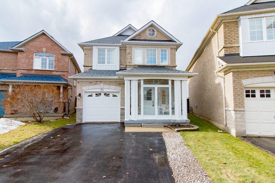 11 Westchester Cres, Toronto, Ontario  L6C 2X3 - Photo 1 - N4028230