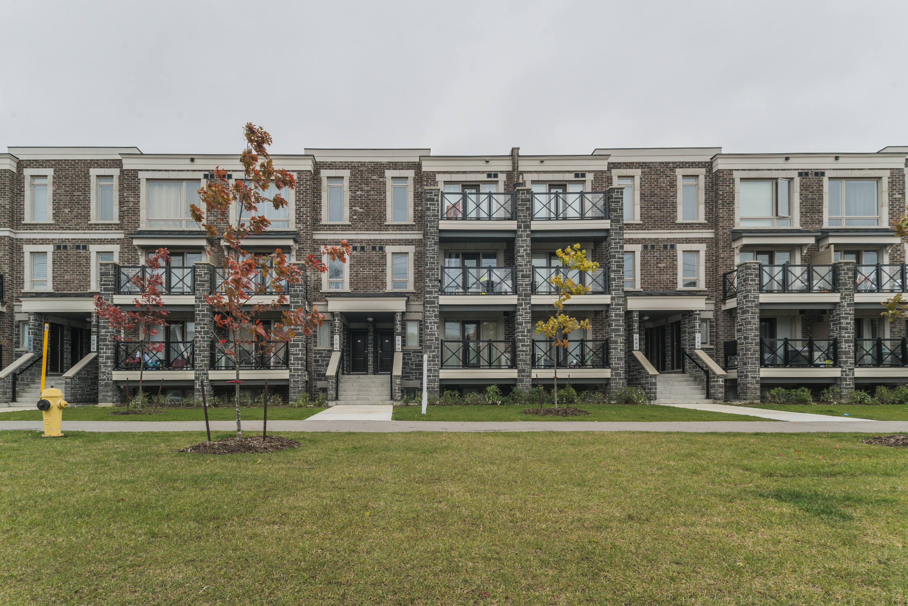 2 Dunsheath Way #122, Markham, Ontario    - Photo 1 - RP9319628441